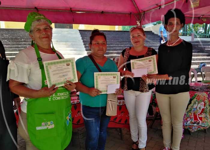 San Rafael del Sur desarrolla concursos de dibujo y comidas navideñas - TN8 Nicaragua