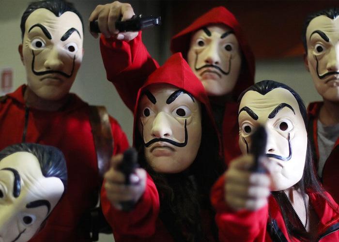 Ladrones asaltaban con máscaras iguales a las de La Casa de Papel