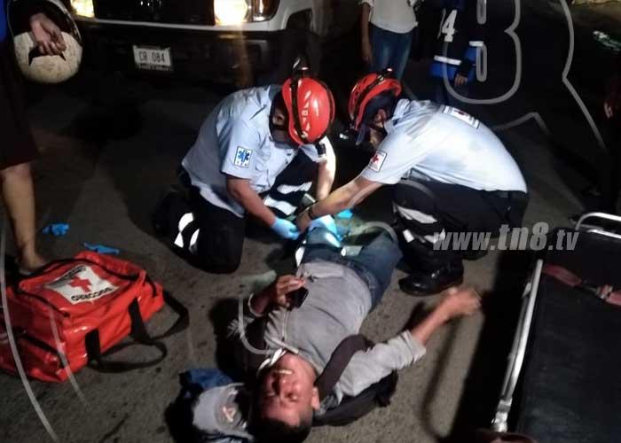 Encontronazo de motociclistas en Managua deja un lesionado - TN8 Nicaragua