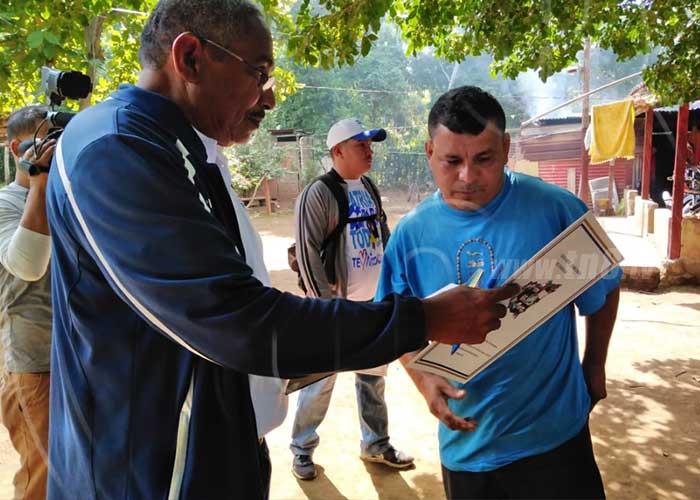 Familias de San Rafael del Sur recibieron sus títulos de propiedad - TN8 Nicaragua