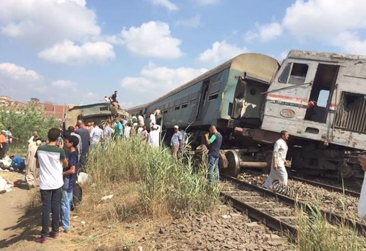 Choque de trenes deja al menos 36 muertos en Egipto