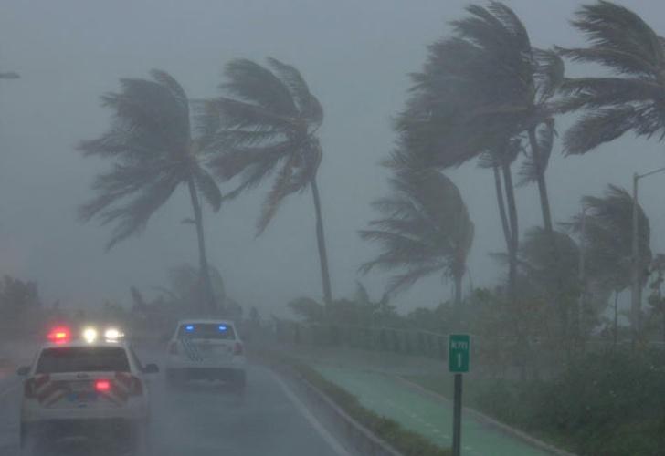 Fallecen tres personas por Irma en Florida