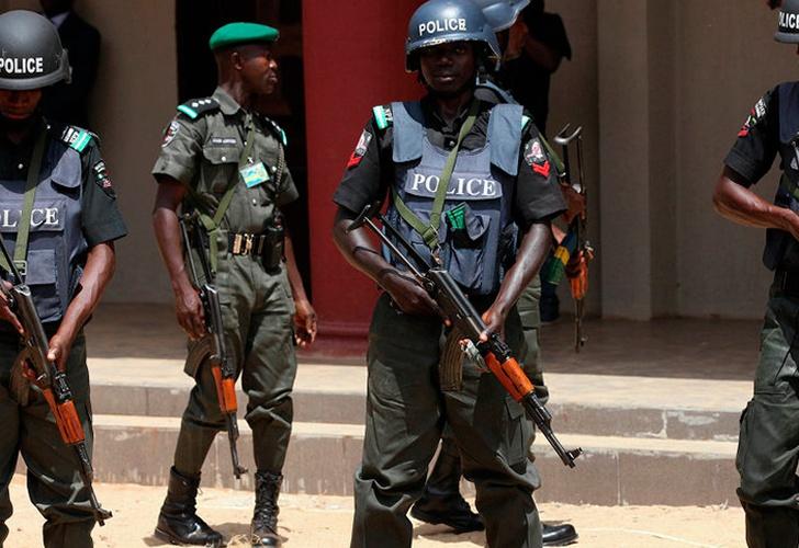 Asalto terrorista en Nigeria deja al menos 15 muertos