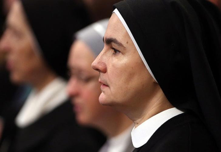 francia, europa, el vaticano, disputa, obispo, hermanitas de maria madre del redentor, investigacion,