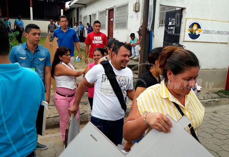 Ciudadanos nicaragüenses acudieron en completa paz a ejercer su derecho al voto