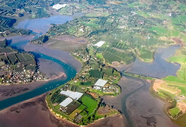 Lluvias abren grieta de 200 metros de largo en Nueva Zelanda