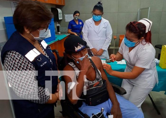 nicaragua, managua, hospital militar, vacunacion voluntaria, covid,