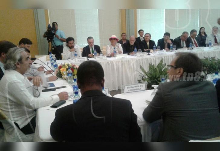OEA se reúne con Gobierno y embajadores para preparar elecciones en Nicaragua
