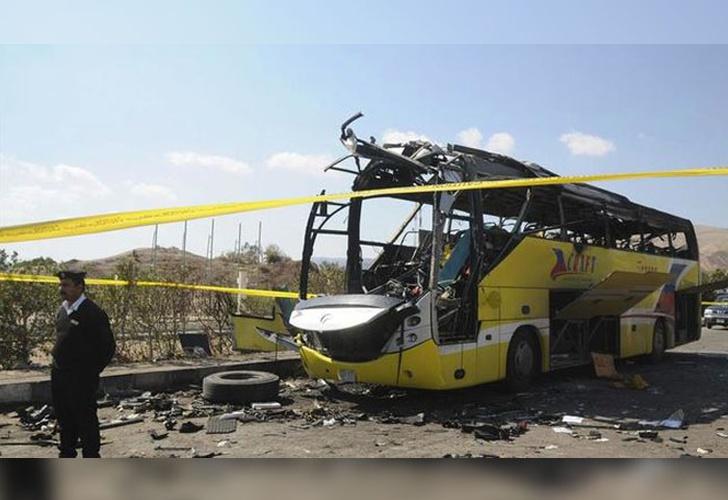 Al menos 26 muertos por atentado contra cristianos coptos en Egipto