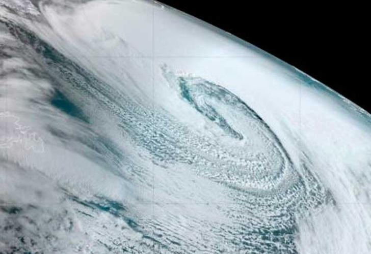 La tormenta Dennis causa graves inundaciones el oeste de Inglaterra