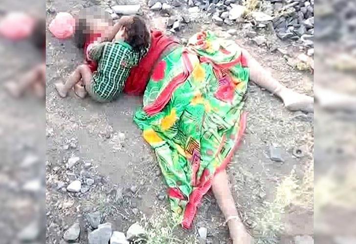India: Hallan a niño bebiendo de la leche de su madre muerta