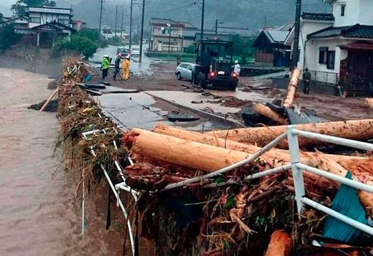 El tifón Nanmadol llega al sur de Japón con lluvias torrenciales