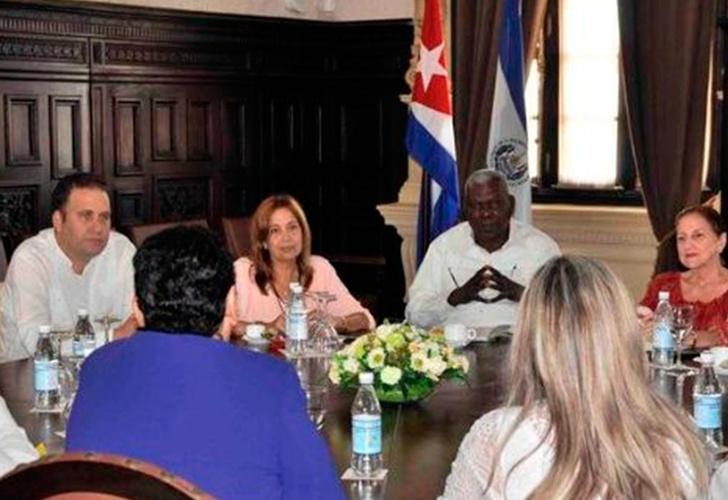 Presidente de Asamblea cubana recibe delegación parlamentaria de El Salvador