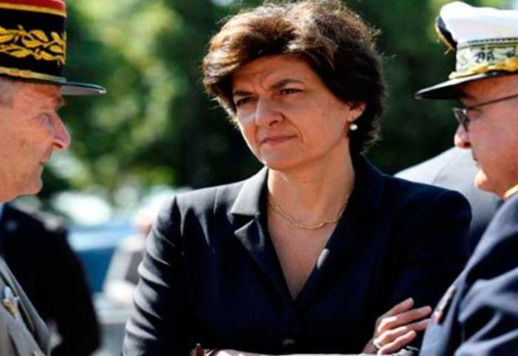 Ministra francesa de Defensa deja el cargo al ser investigada