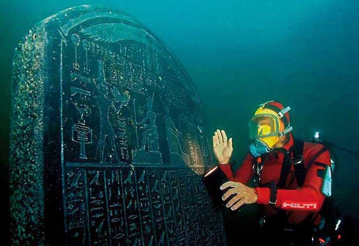Descubren tres barcos romanos hundidos en la costa norte de Egipto