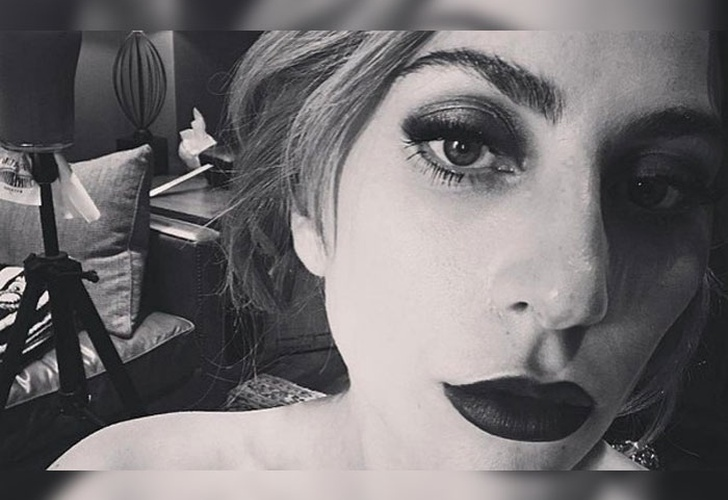 FOTOS: Lady Gaga apareció en bikini para seguidores en redes sociales