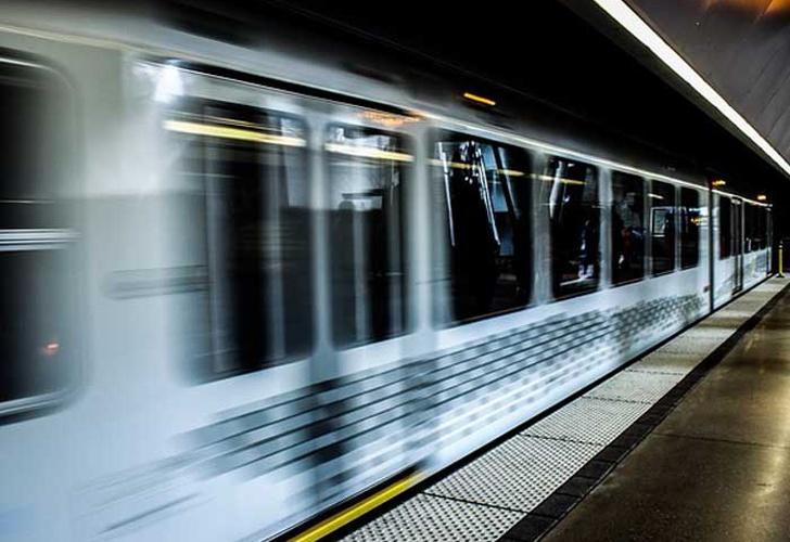Resultado de imagen para tren tunel atrapado