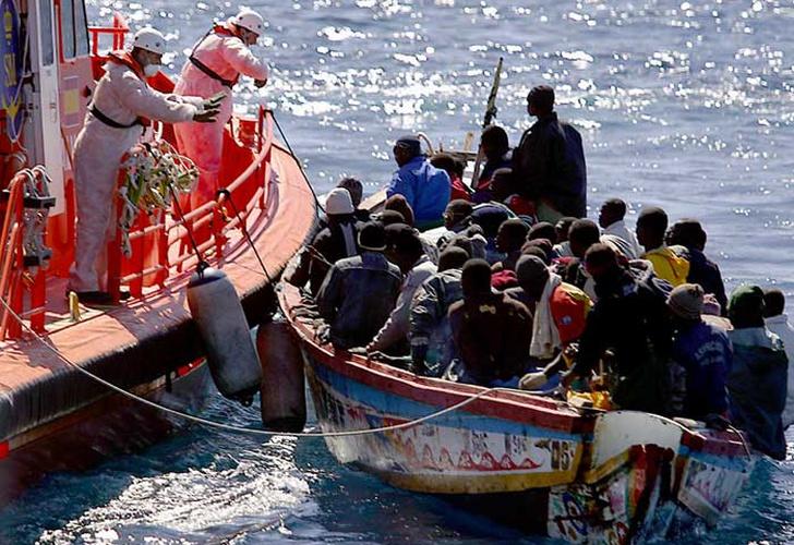 España: 49 inmigrantes desaparecidos en la costa