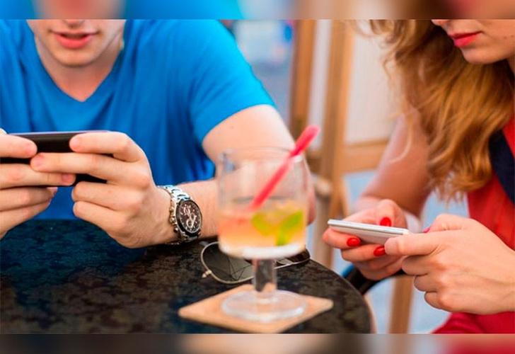 Reino Unido: Jóvenes que no usen celular serán premiados