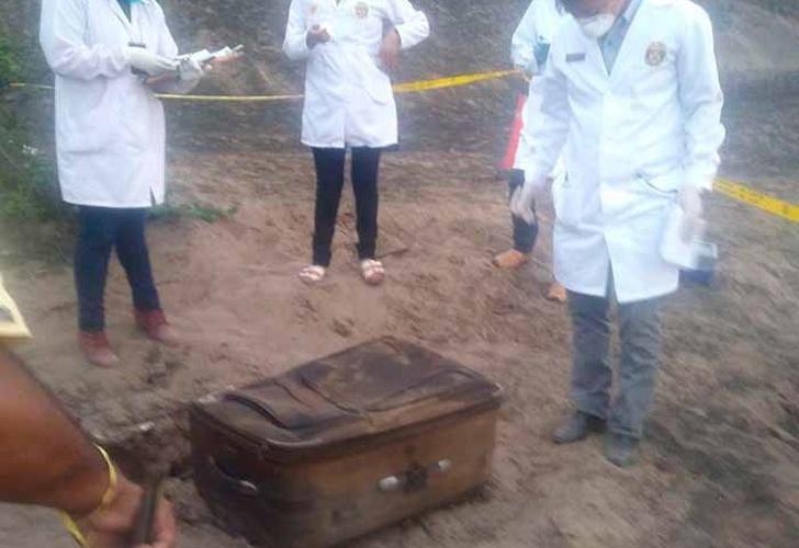 Hallan cuerpo calcinado de una mujer dentro de maleta — Pasamayo
