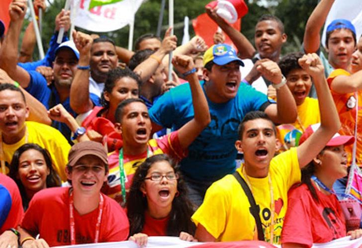 Presidente Maduro recibe marcha de la juventud en el Palacio de Miraflores