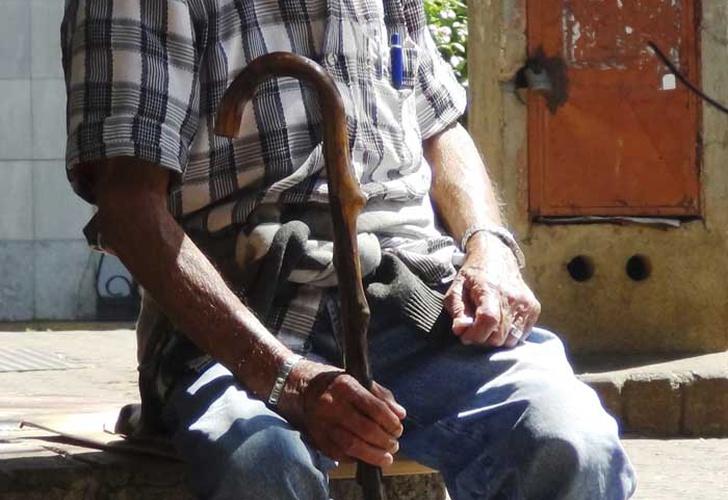 Muere joven por VIH; lo contagió su abuelo