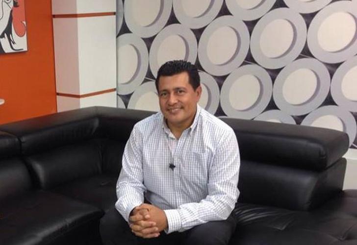 9337ed7f6 ¿Se va Justo Velásquez de la pantalla de VosTV?
