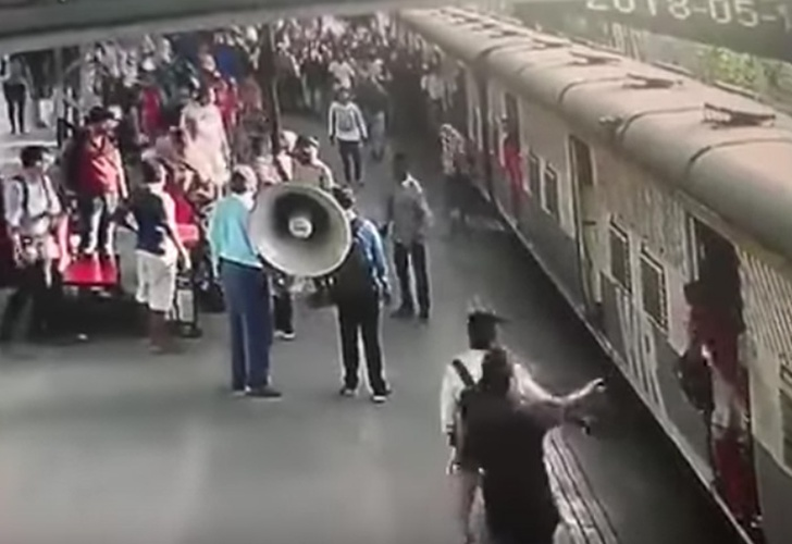 Salvó a una niña de ser arrollada por un tren
