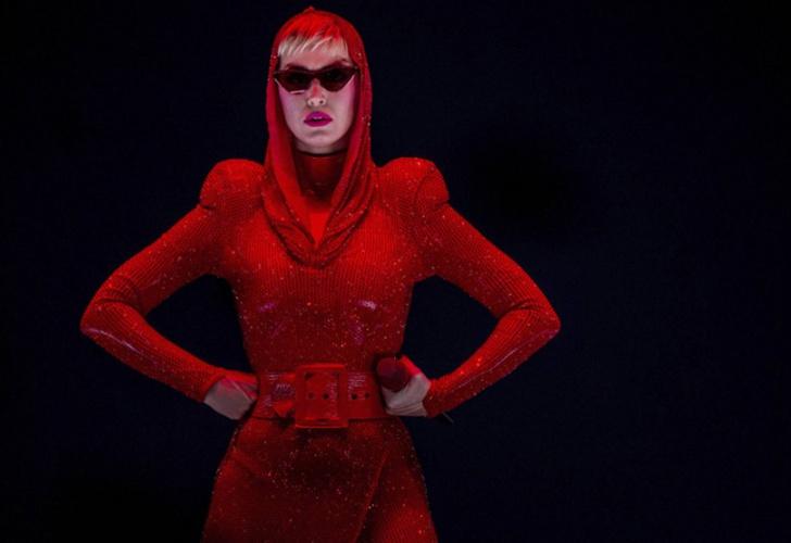 Anuncio del concierto de Katy Perry en Barcelona crea polémica en España