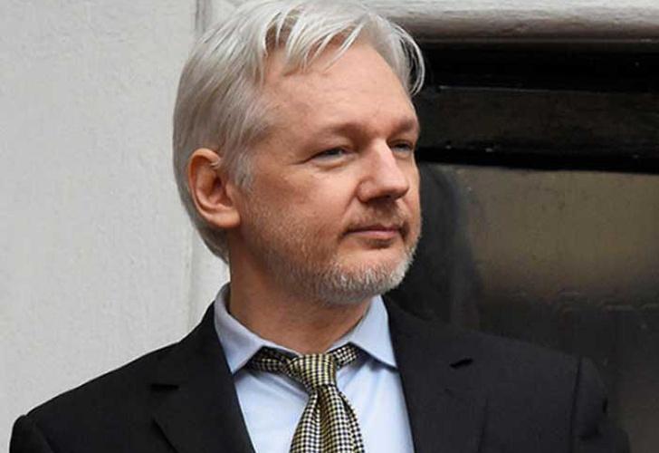 Twitter de Julian Assange desapareció durante horas