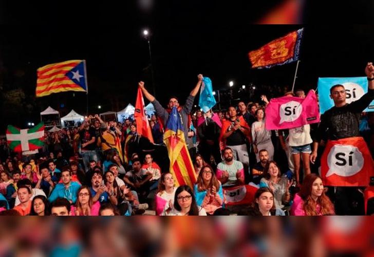 Ascienden a 337 los heridos por acción policial en Cataluña — España