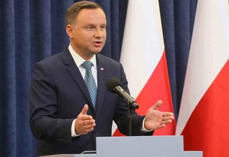 Comisión Europea: Polonia tiene un mes para revisar su polémica reforma judicial