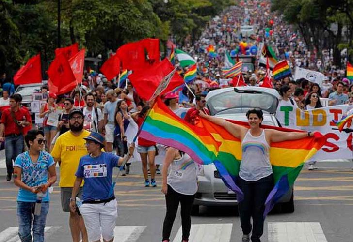 Carlos Alvarado nombra un comisionado para la población LGTBI