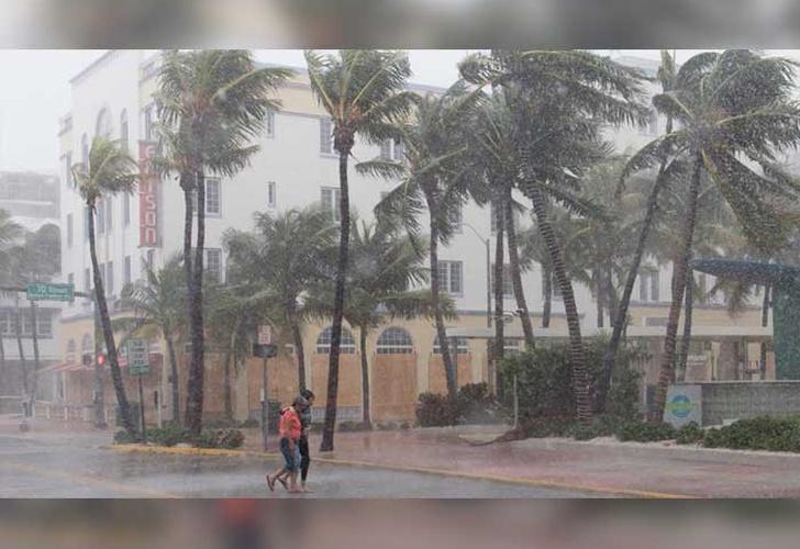 El huracán Irma impacta en Cayos de Florida