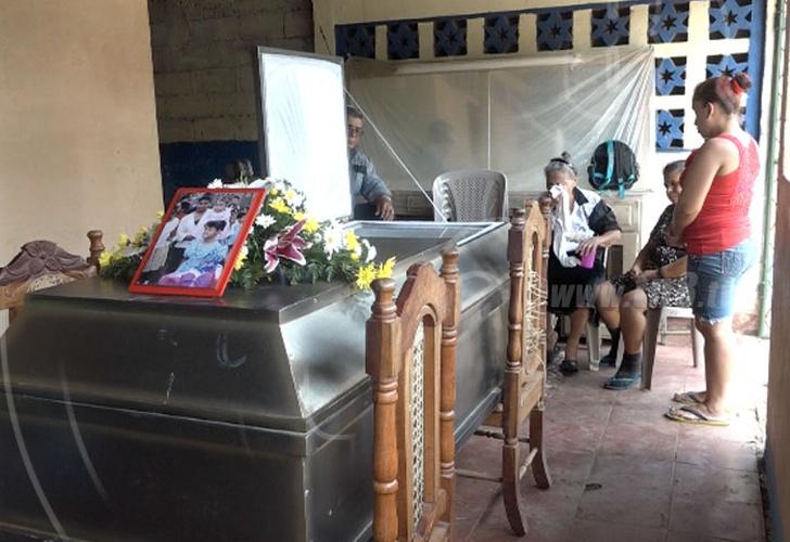 Al menos ocho fallecidos al caer autobús en el Río San Juan