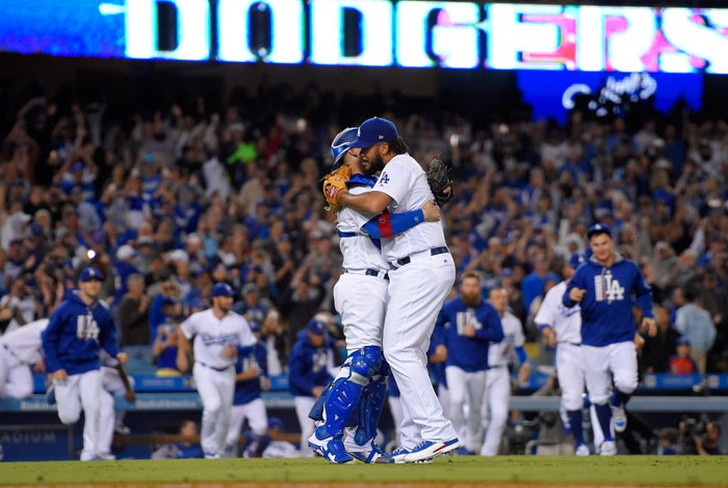 dodgers, angeles, gigantes, san francisco, clayton, kershaw, rich, hill, wally, berger,-Los Dodgers derrotan a los Gigantes 4-2 y ganan su división