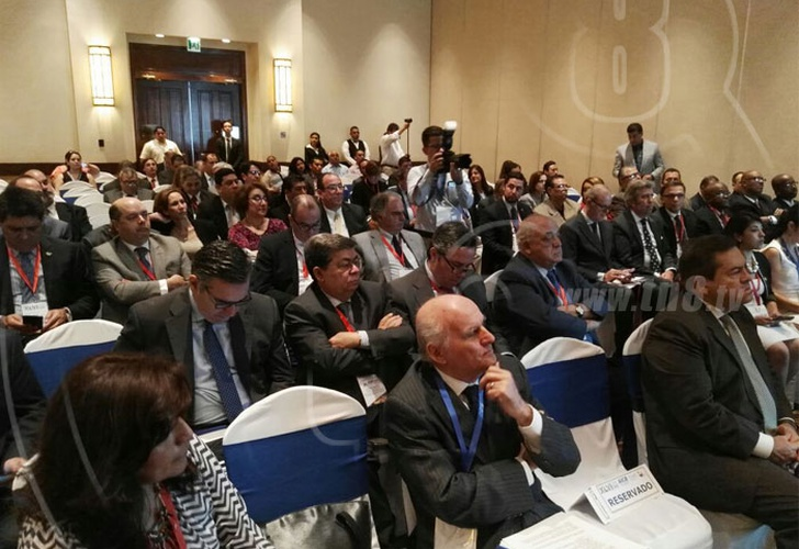 El presidente de Nicaragua recibe a empresarios de Iberoamérica