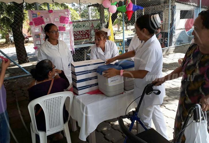 MINSA inmuniza a miles de nicaragüenses contra influenza