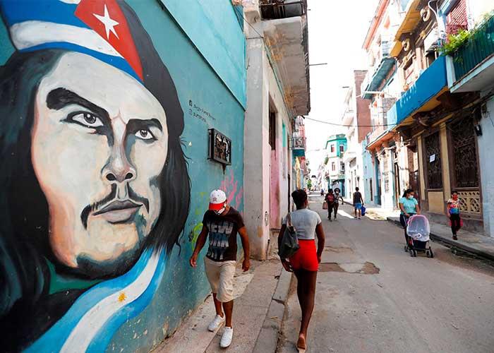 Cuba informa que trabaja en cuatro vacunas contra el Covid-19