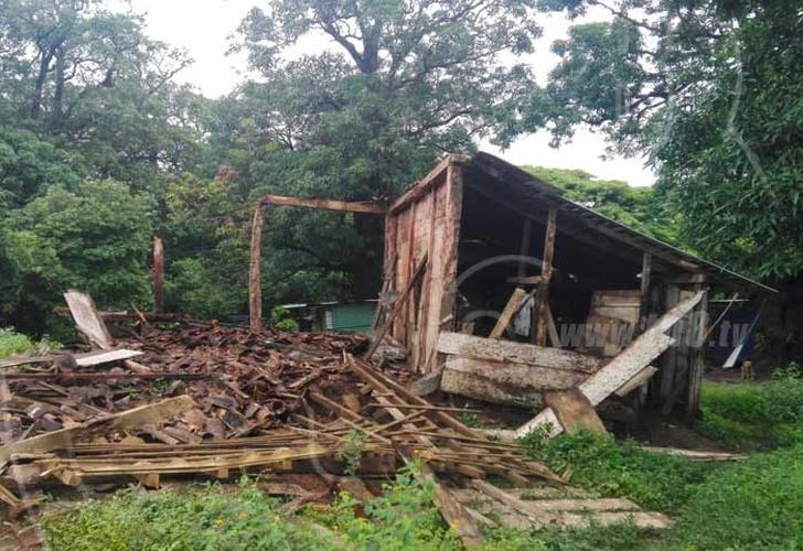 Rivas lluvias provocan el colapso de humilde vivienda for Vivienda reducida