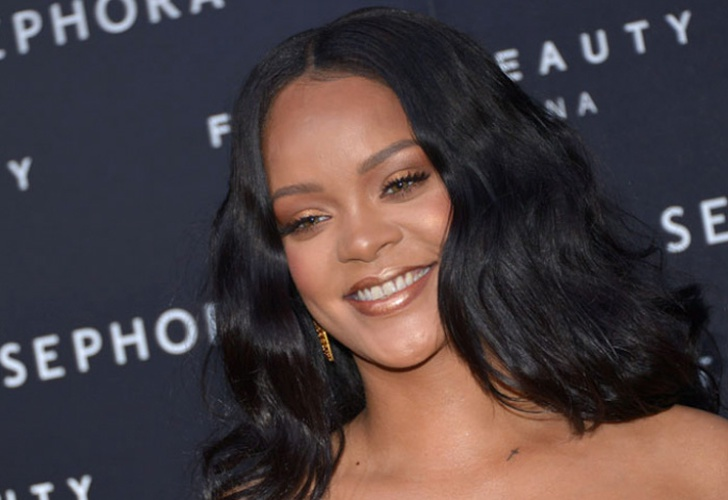 Rihanna 'enloquece' las redes con foto de sus estrías