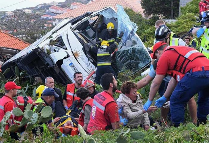 portugal, madeira, accidente, luto, vuelco, autobus,