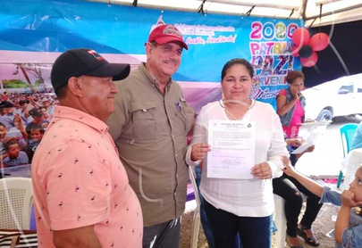 Familias de Estelí recibieron documentación legal de sus terrenos