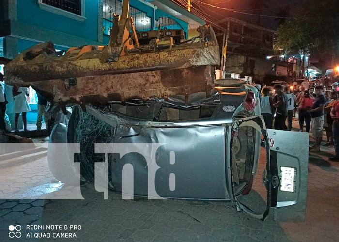 nicaragua, bonanza, accidente de transito, dos personas fallecidas,
