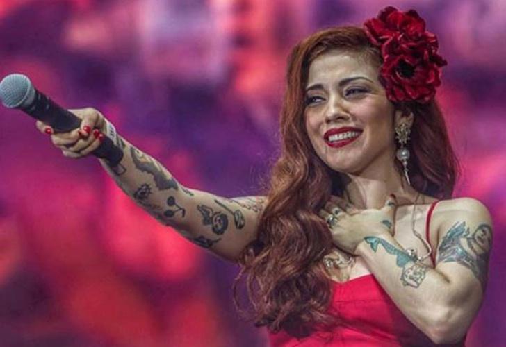 La cantante chilena Mon Laferte se despide de los escenarios