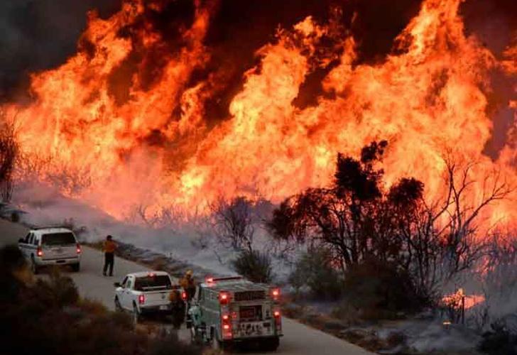 California: Muere bombero en