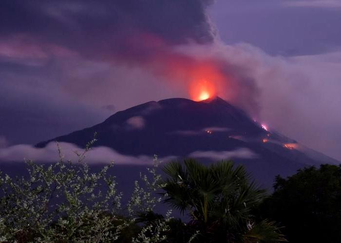 indonecia, volcan lewotolo, mitigacion de desastres, activacion de alerta