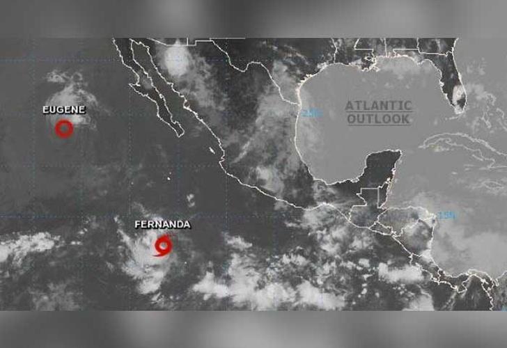 Huracán Fernanda alcanza categoría 3 en el pacífico mexicano