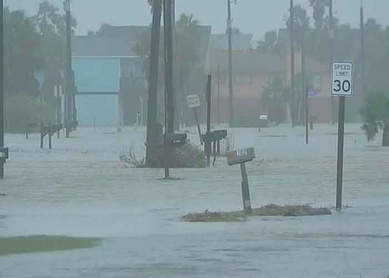 "Beta se estaciona en Texas causando inundaciones ""importantes"""