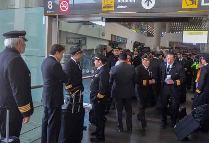 88 afectados por el paro de Aeroméxico